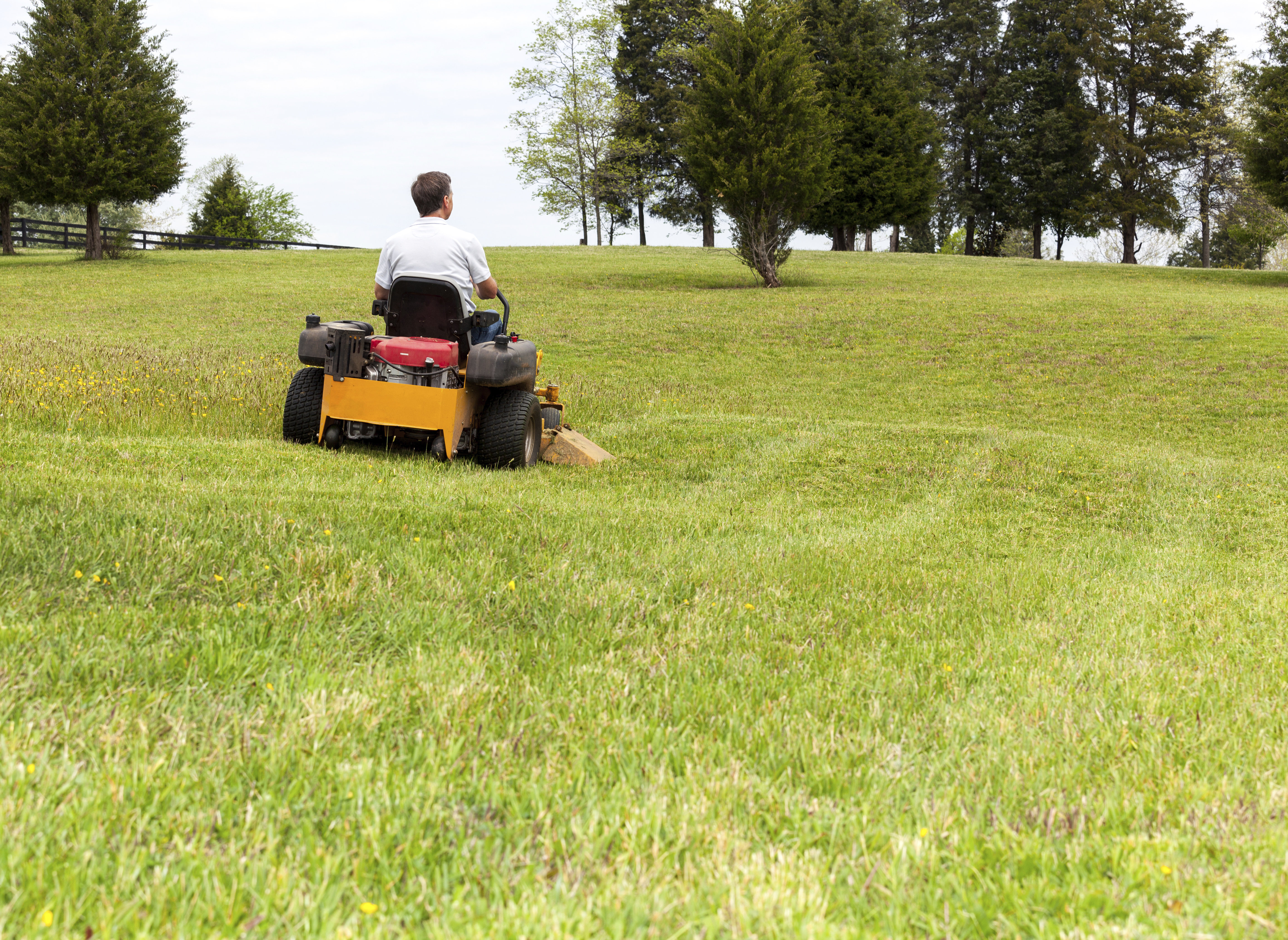 How Does a Zero Turn Mower Work